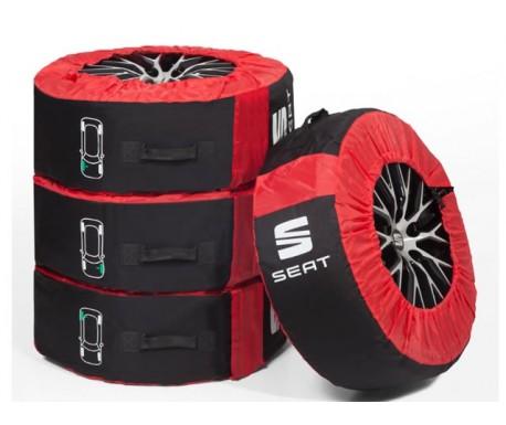 Lot 4  Housses pneus