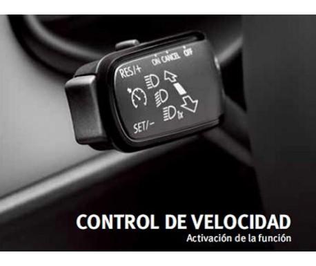 Activation de contrôle de vitesse pour véhicules avec commandes au volant
